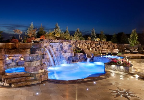 OUTCROPPING - WALLS - LARGE RETAINING WALLS