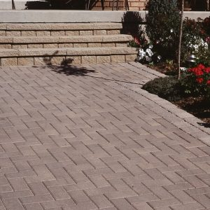 TRADITIONAL - PAVERS & SLABS - PAVERS